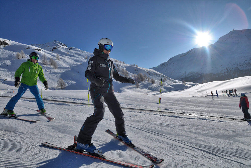 ski lessons for beginners, Stoked Swiss