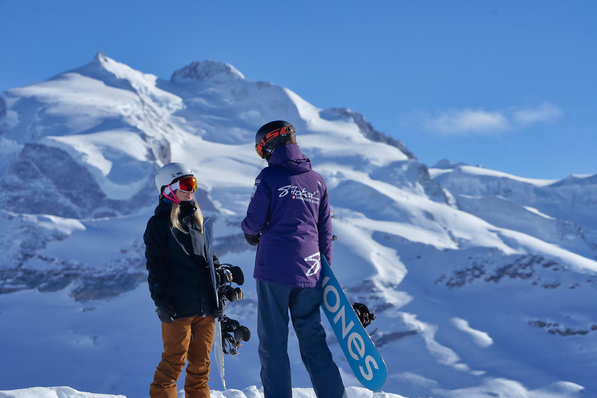 private kids  snowboard lessons in Zermatt